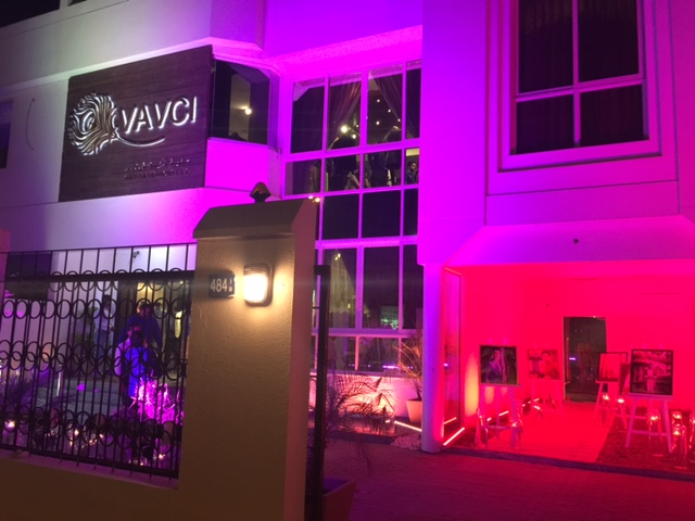 The illuminated Vavci showroom in Jumeirah